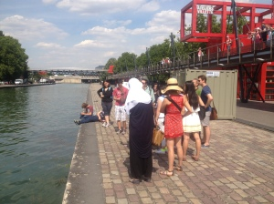 Students guide each other around the 19th arrondissement